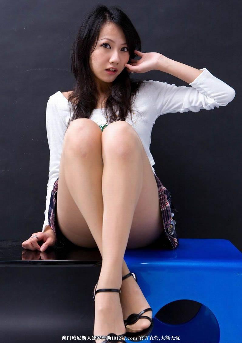 超漂亮的长腿MM 就是美 [11P]