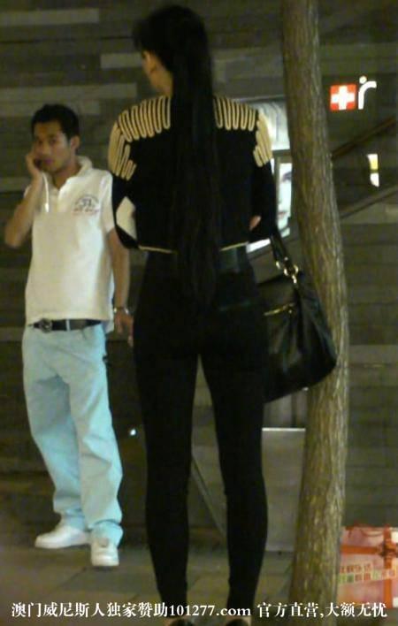 黑色紧身长裤少女【11P】