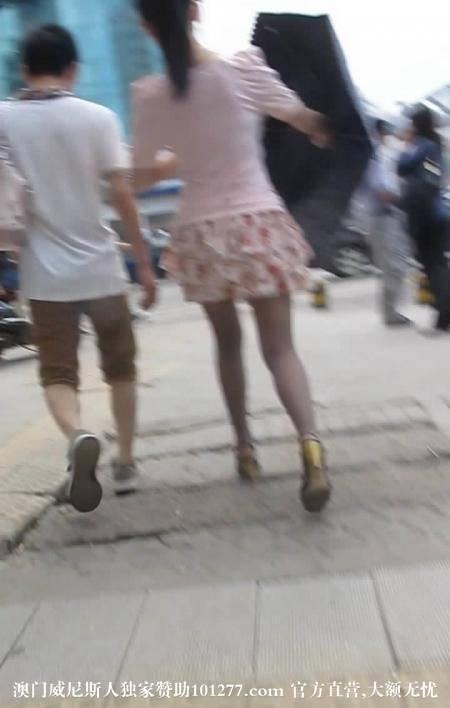 碎花超短裙灰丝美腿气质少妇【9P】