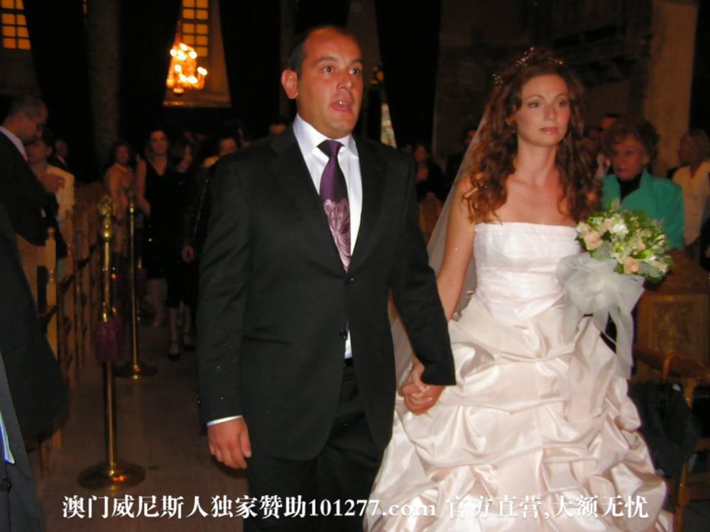 外国新娘和她婚纱下的身体——新娘早晨起床实录【13P】