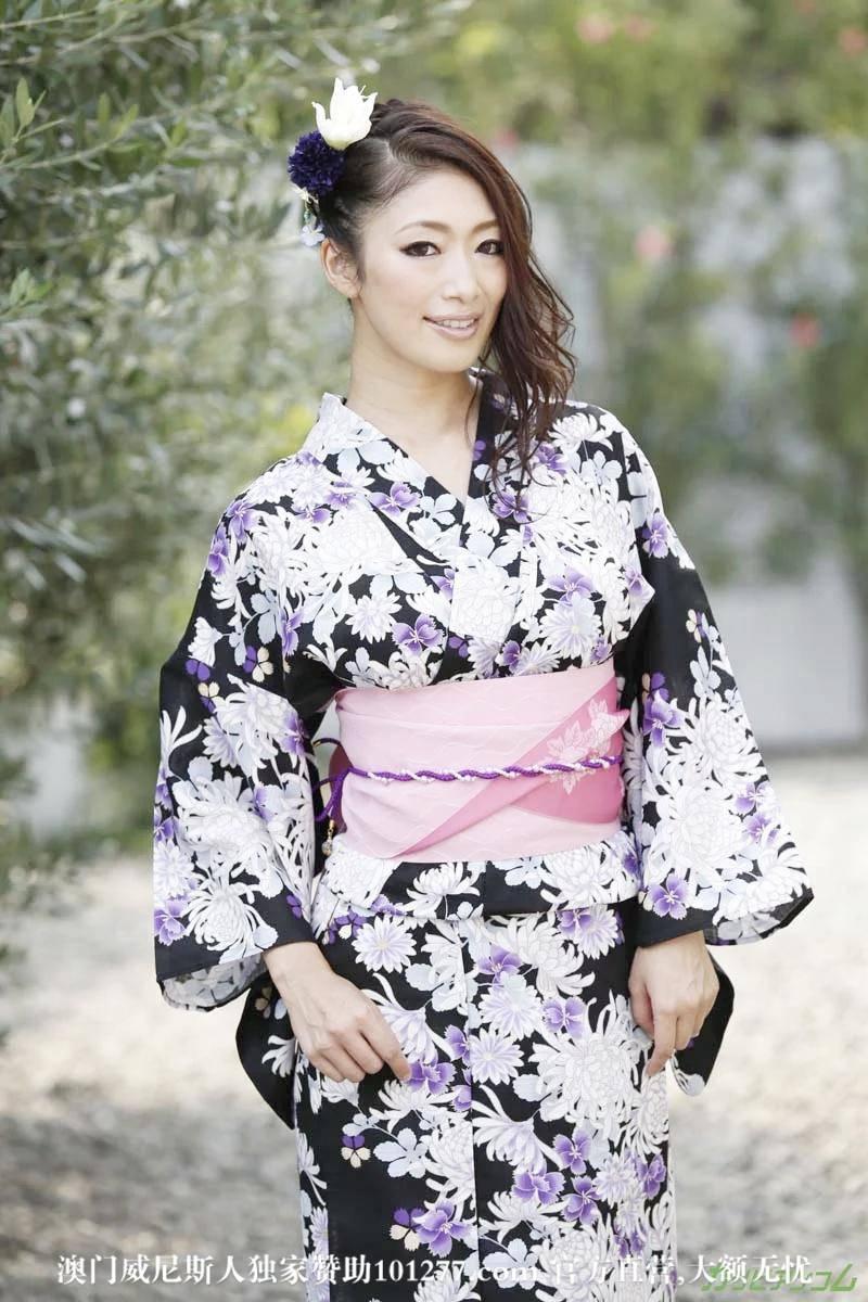 我最喜欢的日本女优小早川怜子被两个男优凌辱【22P】